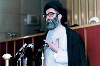 فیلم/ گزارشی در مورد فیلم منتشر شده از جلسه تعیین رهبر در مجلس خبرگان، سال ۱۳۶۸