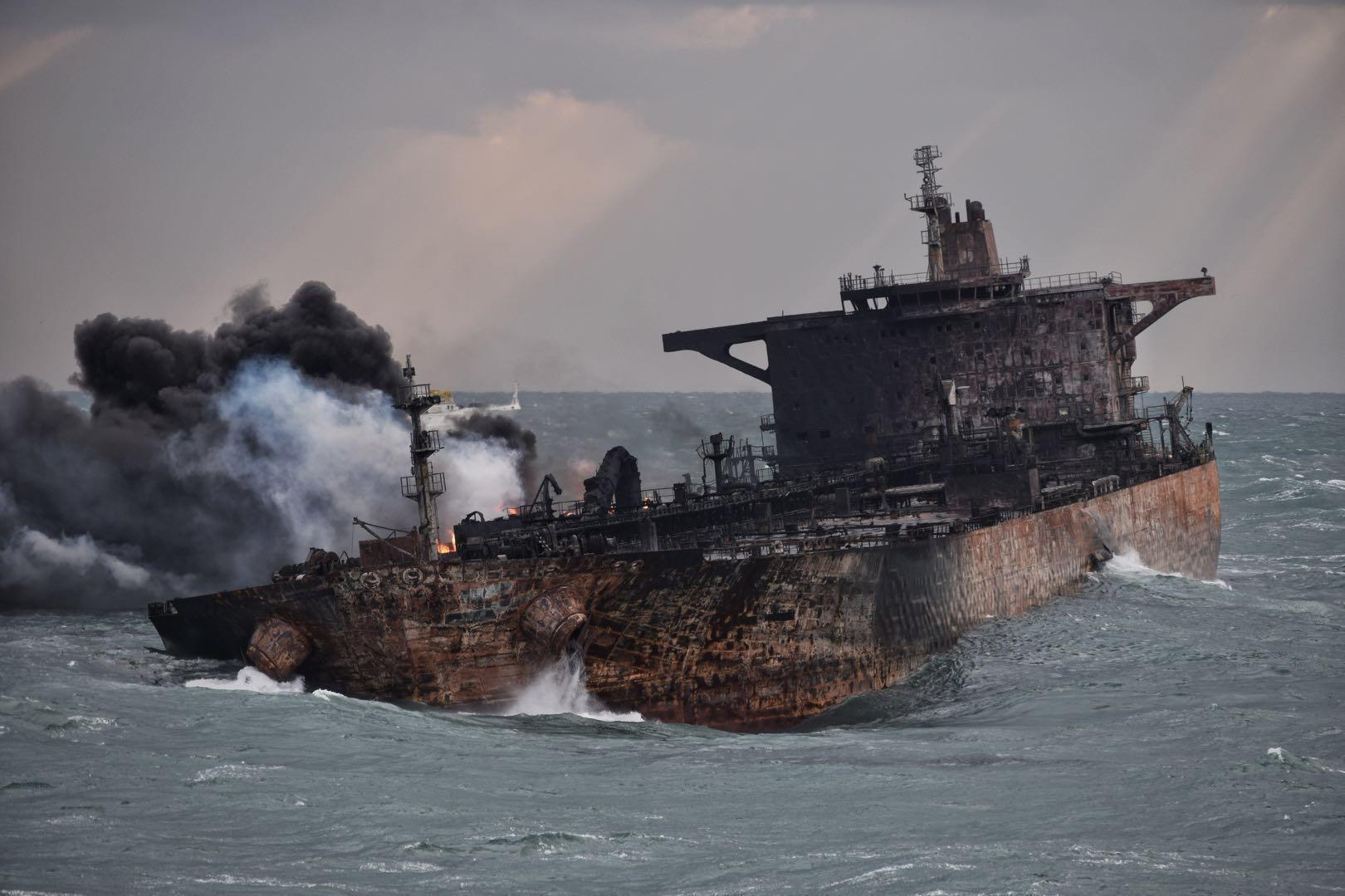 چینی ها هیچ کارشکنی نداشته اند/کشتی «سانچی» ثبت پاناماست/نماینده ایران از کشتی چینی بازدید کرده است
