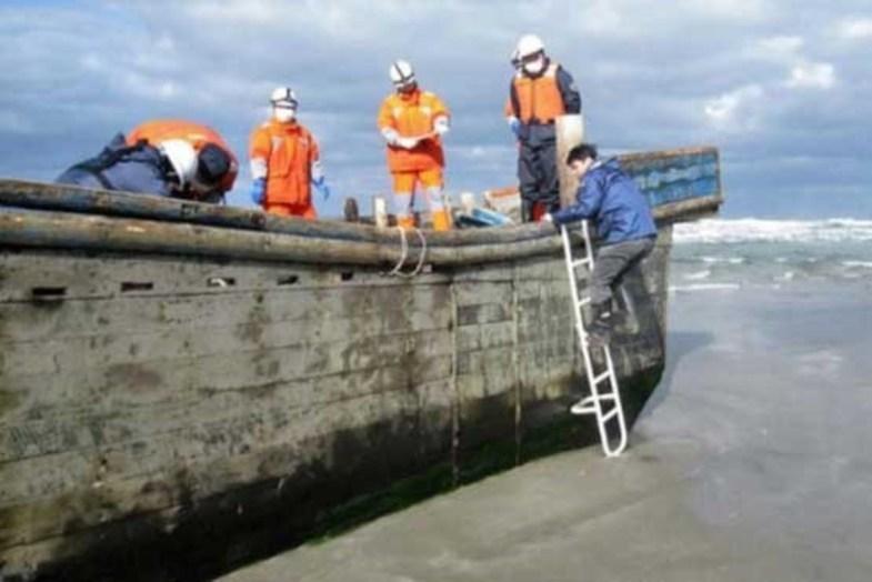 قایق شکسته با ۸ جسد به سواحل ژاپن رسید