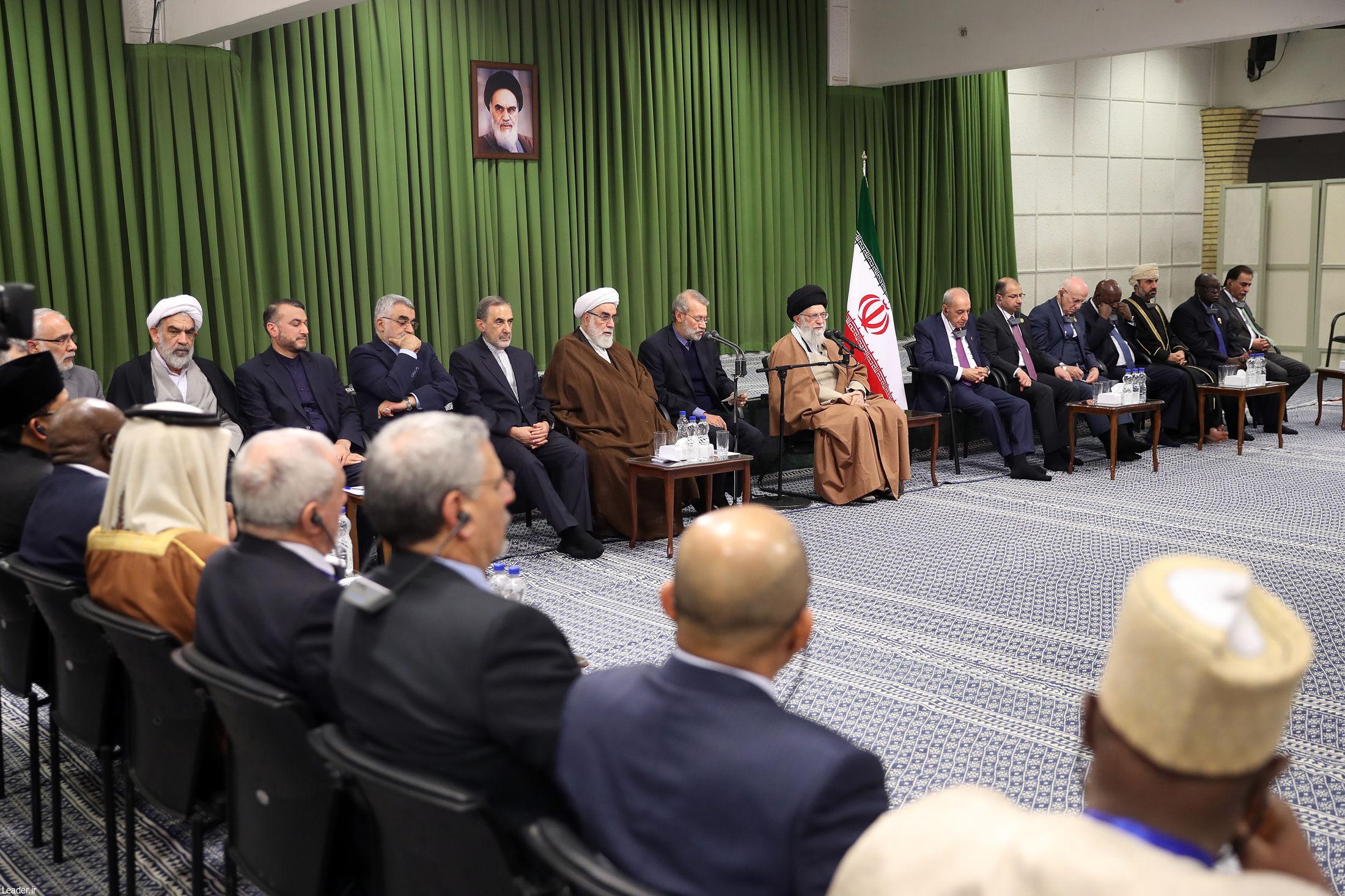 شرکت کنندگان در کنفرانس اتحادیه بین المجالس با رهبر انقلاب دیدار کردند