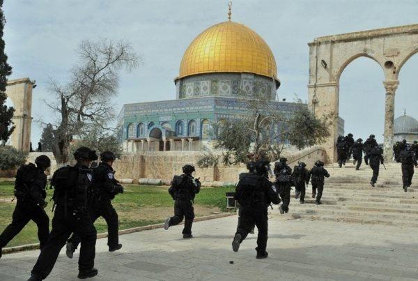 حمله صهيونيست ها به مسجدالاقصي