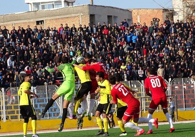 استارت اسکوچیچ با پیروزی/ پیروزی خونه به خونه و نساجی در روز بازگشت «آقای گل»+عکس