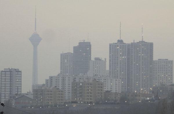 گروه های حساس در منزل بمانند/هوای تهران همچنان در وضعیت قرمز
