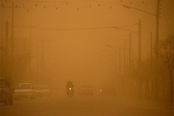گرد و خاک و کاهش دید در محور های بوشهر/ ترافیک درآزادراه کرج-قزوین
