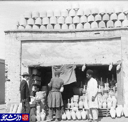 تصویر مربوط به یک مغازه در بازار تهران؛ ۱۰۰ سال قبل