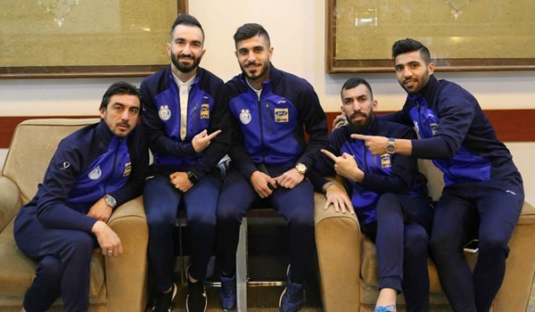 اعضای تیم فوتبال استقلال در شهر دوحه به گشت و گذار پرداختند