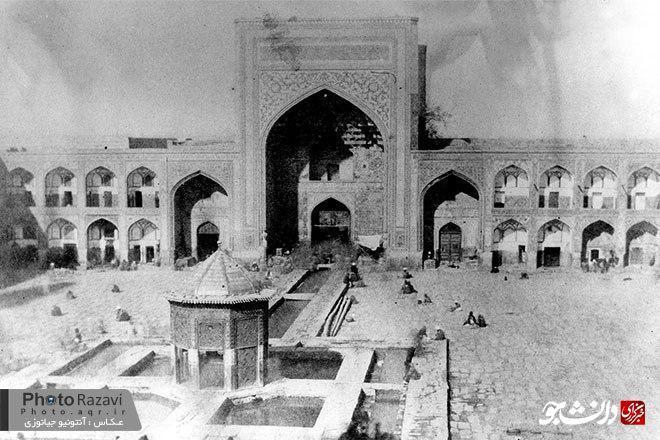 قدیمیترین تصویر از حرم امام رضا (ع)؛ سال ۱۲۳۳