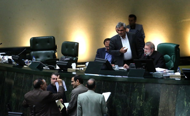 نمایندگان استان های گیلان و بوشهر بر سر اعتبارات استانی نزاع لفظی کردند