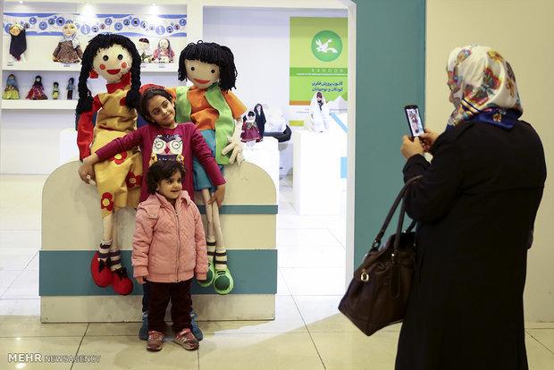 آثار برگزیده جشنواره لباس کودک و نوجوان به تولید انبوه می رسند