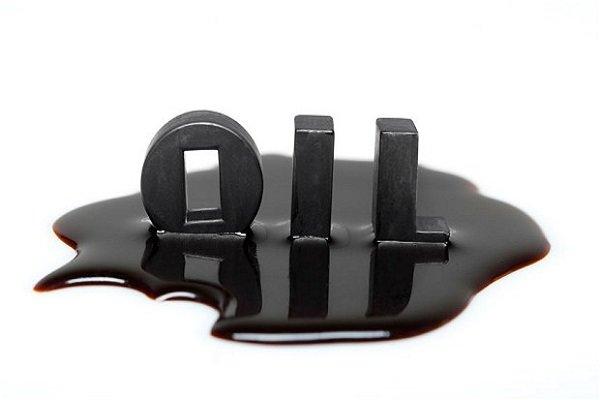 قیمت نفت در مرز ۶۵ دلار ایستاد