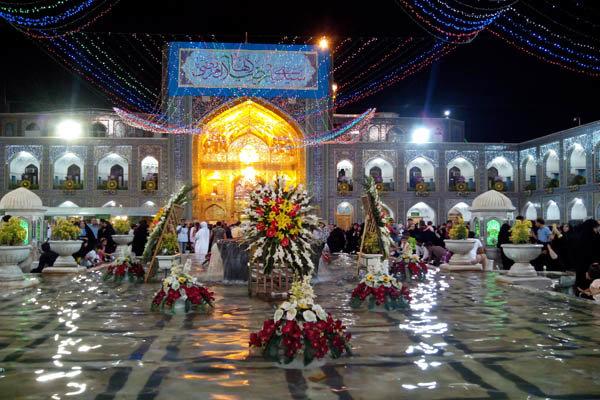 ۱۲۰ بانوی زلزله زده کرمانشاه به حرم مطهر رضوی مشرف شدند