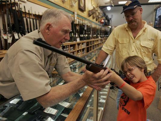 دستور ترامپ برای ممانعت از تبدیل شدن اسلحه قانونی به سلاح خودکار مرگبار