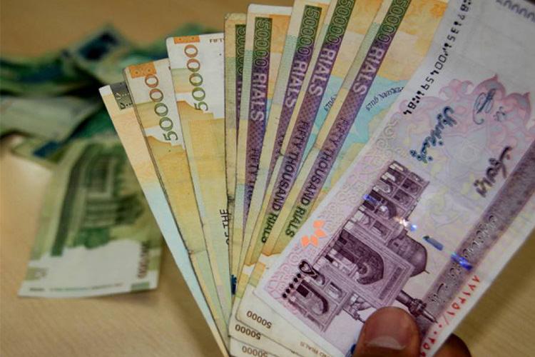 رکود مطلق تولید و پارک نقدینگی در بانکها/ رئیس جمهور ناکارآمدی سیاستهای اقتصادی را گردن بگیرد!