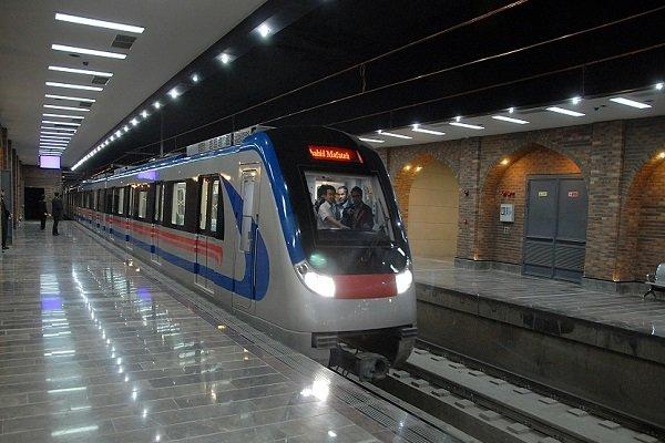 خبر خوش برای مسافران مترو در اسفند ۹۶/ کاهش زمان رسیدن مترو