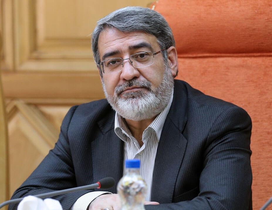 وزارتخانه ها نباید در برابر واگذاری بخشی از اختیارات خود به استان ها مقاومت نکنند