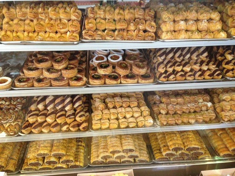 قیمت مصوب شیرینی عید اعلام شد/ نظارت بازرسین اتحادیه بر قنادی ها