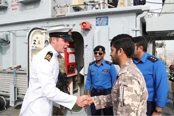 ناو های جنگی انگلیس در آب های ساحلی قطر
