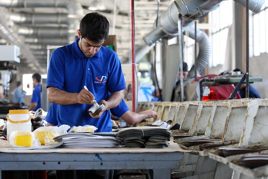 حکمرانی رکود بر بازار کفش ایرانی / تولید ملی در کما