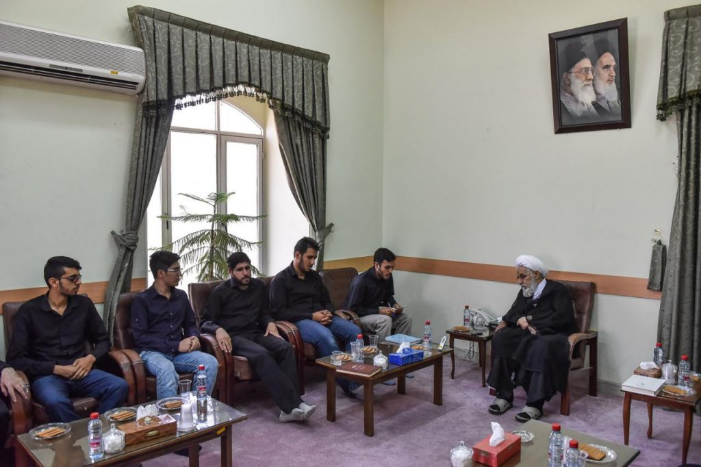 دیدار اعضای انجمن اسلامی دانشجویان دانشگاه شیراز با نماینده، ولی فقیه در استان فارس