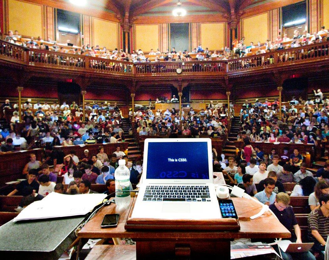 دانشگاههای دنیا چگونه منابع مالی خود را تامین میکنند؟/ بودجه دولتی یا استقلال مالی مسئله این است!