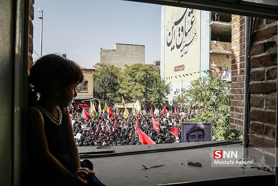 حاشیهنگاری مراسم تشییع پیکر شهید حججی/ ایستاده بر بلندای تاریخ