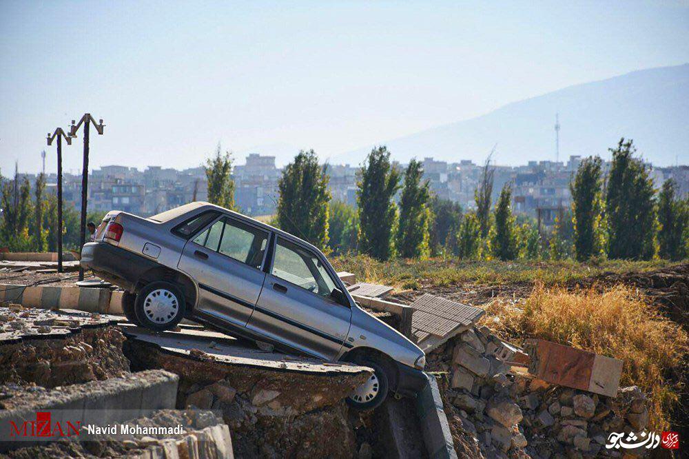 پرایدی که بر اثر زلزله به لبه پرتگاه رسید +عکس