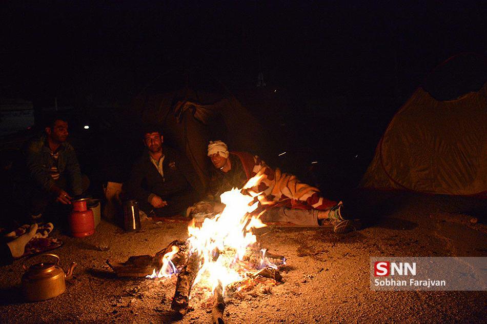 جواز دفن ۳۴۸ جسد در استان کرمانشاه صادر شد/ آمار مصدومین؛ ۶۶۰۳ نفر/ روحانی «فردا» به کرمانشاه میرود + عکس و فیلم