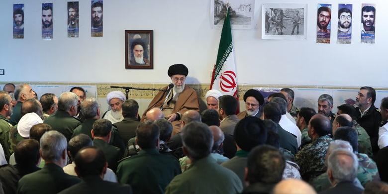 تاکیدات ویژه رهبر معظم انقلاب در جلسه رسیدگی به مشکلات زلزله زدگان