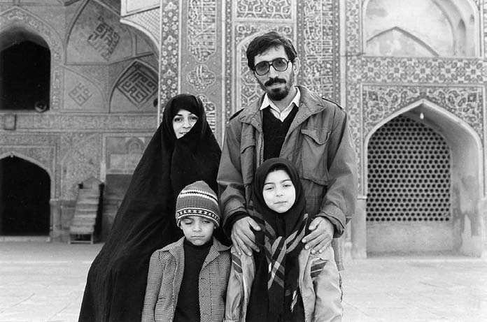 سر دسته مافیای پیچیده دهه شصت سینمای ایران اپوزیسیون نظام شد