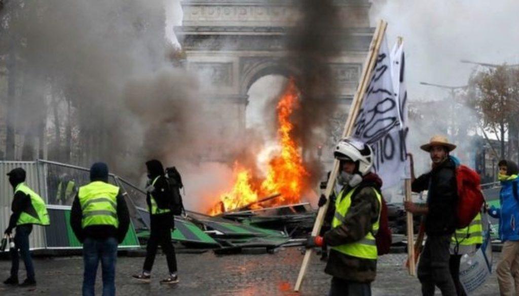 526494 910 - فرانسه برای اعتراضات خشونتآمیزتر جلیقهزردها آماده میشود