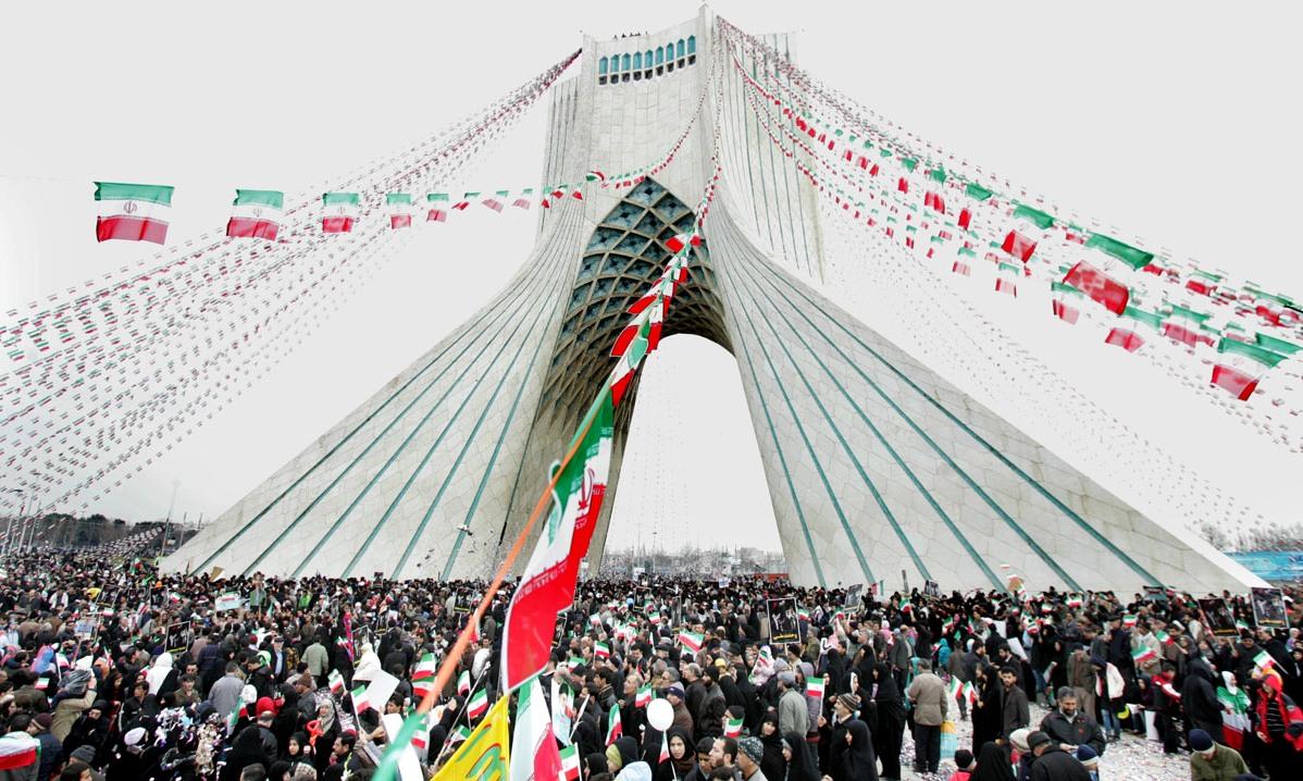۴۰ سال سرافزاری از نگاه مسئولان دانشگاهی/ پیشرفت در تمام حوزههای علمی افتخار استقلال ایران بعد از پیروزی انقلاب است