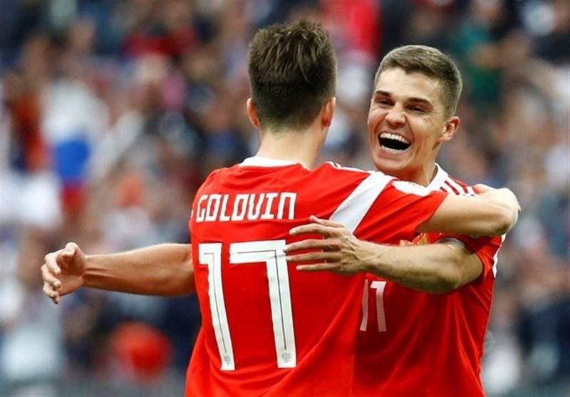 هافبک تیم ملی روسیه به اسپانیا، پرتغال و ایران فکر نمیکنیم