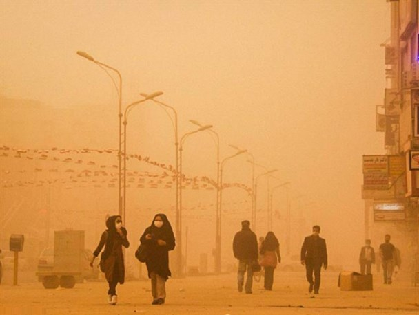 گردو غبار آسمان شهرهای خوزستان را فراگرفت