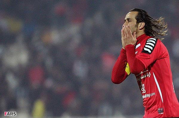 اسطوره قرمزپوشان پایتخت به عنوان بهترین هافبک تاریخ جام ملتهای آسیا انتخاب شد