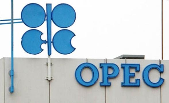 کاهش ۱۵۰ هزار بشکهای تولید نفت ایران در ماه اخیر/ افزایش ۱۰۸ هزار بشکهای تولید عربستان سعودی
