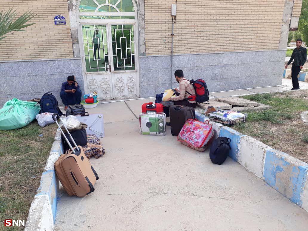 سرگردانی دانشجویانی که به امید گرفتن خوابگاه راهی گچساران شدند/ رئیس واحد: هیچ تعهدی برای تامین خوابگاه نداریم