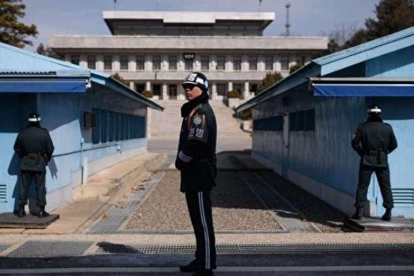 دیدار مقامهای نظامی 2 کره در مرز