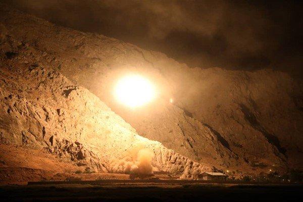 سپاه پاسداران مقر تروریستهای تکفیری را با موشک هدف قرار داد +تصاویر