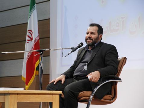 افتخار میکنم که فرزندانم در آغاز نیاز آماده ازدواج بودند/نعمت حلالزادگی امتیاز مردم ایران در جهان است