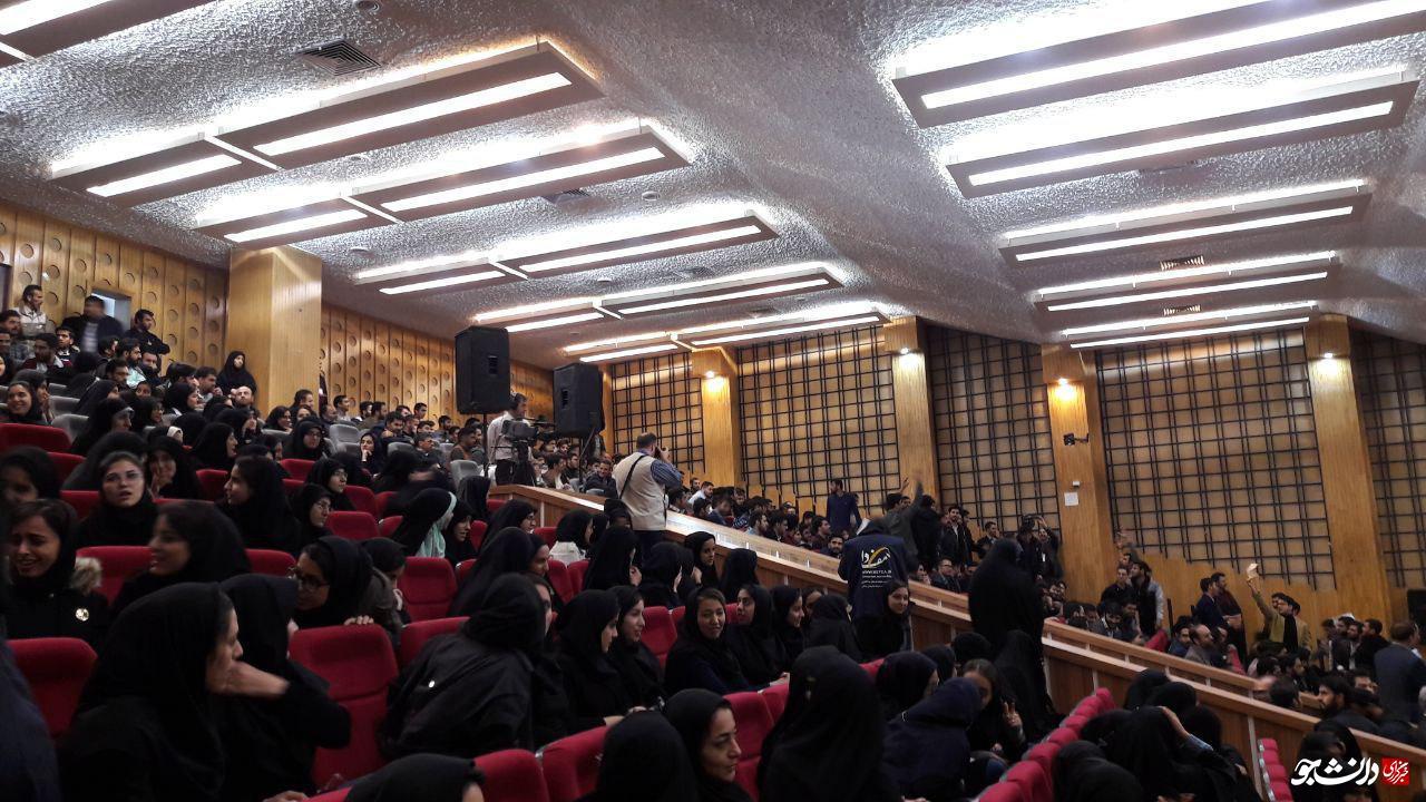 از انتقادهای تند دانشجویان به عملکرد و دروغهای دولت تا دفاع دوباره روحانی از تابوت برجام!
