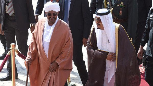 هشدار رهبر معظم انقلاب به عمرالبشیر چه بود؟/ سقوط، عاقبت مغازله با آل سعود