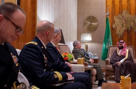 فرمانده تروریستهای «سنتکام» بابن سلمان هم دیدار کرد