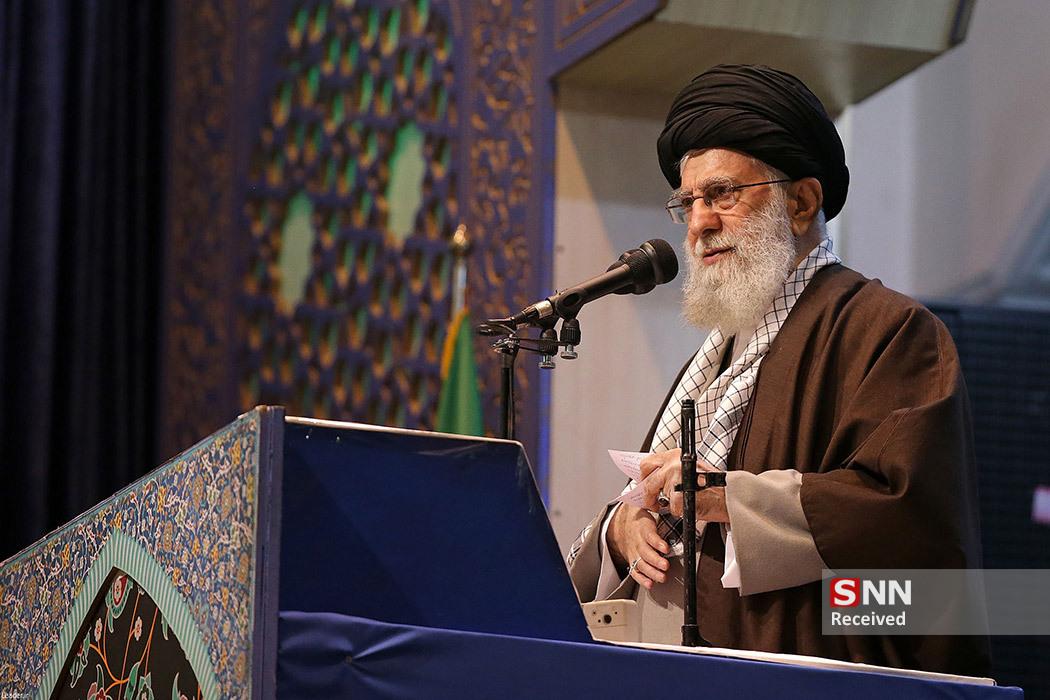 روایتی از نماز جمعه تاریخی تهران / وقتی هزاران حاجقاسم به آقا اقتدا میکنند