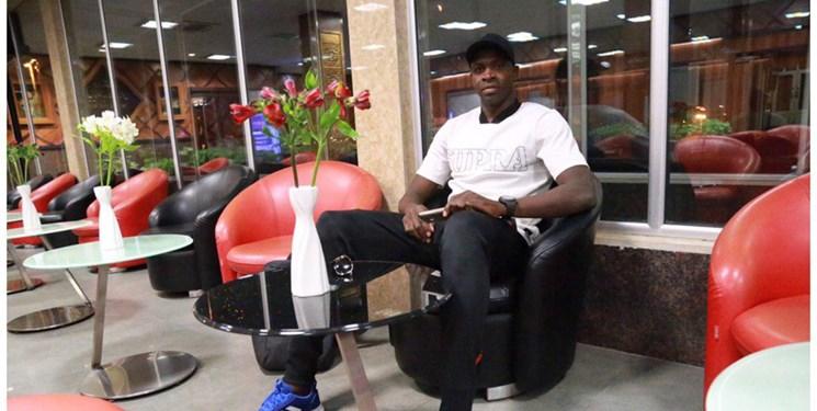 واکنش تحسین برانگیز شیخ دیاباته به حرکت زشت کارگر فرودگاه