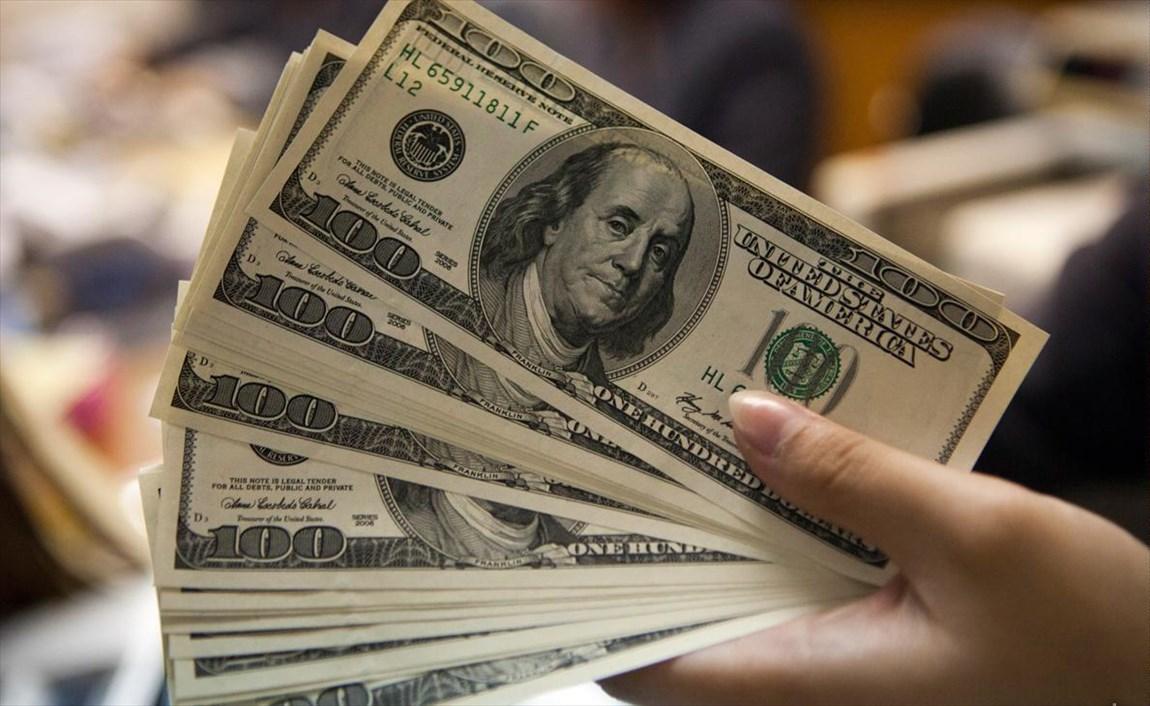 ششم دی|  نرخ دلار به ۱۳۴۰۰ تومان رسید