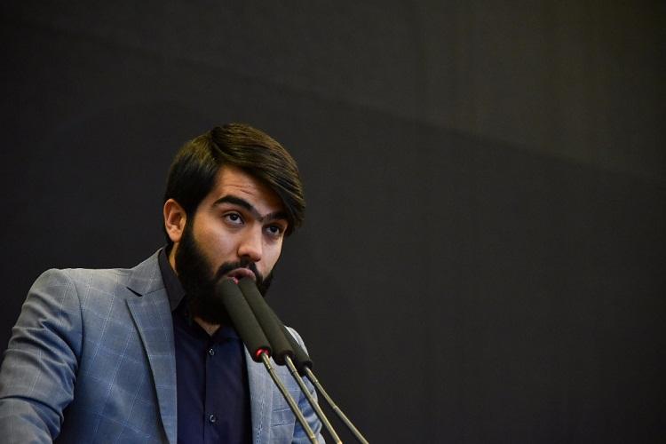 کدام دانشجویان روز چهارشنبه در حضور رهبر انقلاب سخنرانی میکنند؟