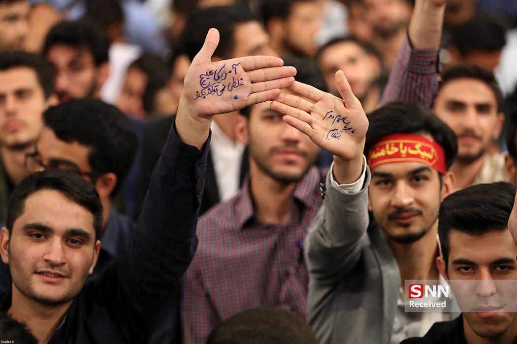 حاشیهنگاری دیدار دانشجویان با رهبر انقلاب/