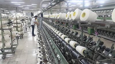 واردات ۱۸۰ هزار تن نخ ریسندگی کارخانههای داخلی را فلج میکند
