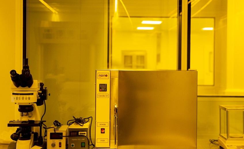 اولین فب میکرو نانو الکترونیک ملی چه تجهیزاتی دارد؟  / خرید هر دستگاه معادل با هزینه ساخت تمام مجموعه فب الکترونیک است