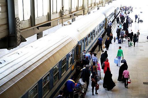 تیتر آماده///// به مشهد سفر کنیم یا نه؟ / از بلیطهای میلیونی قطار تا «سفر نمیروم» رهبر انقلاب